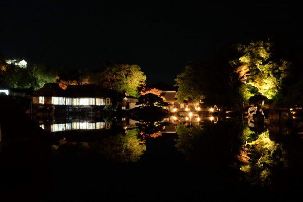 彦根の観光すポット「玄宮園の紅葉ライトアップ」