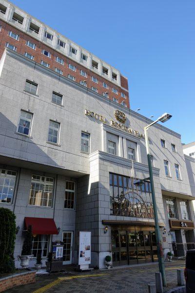 オールデイダイニング リバティーはボストンプラザホテル内1階にあります。