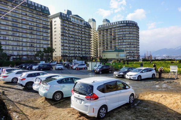 無料駐車場が30台程度ありました。