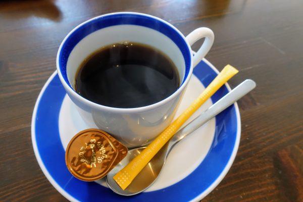 食後のコーヒーはスッキリとしていて飲みやすい口当たりでした。