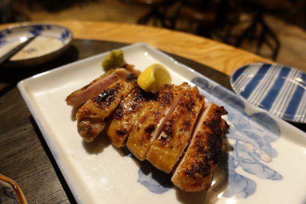 近江鶏の一夜干し(680円)。プリッとした食感。柚子胡椒との相性も抜群です。