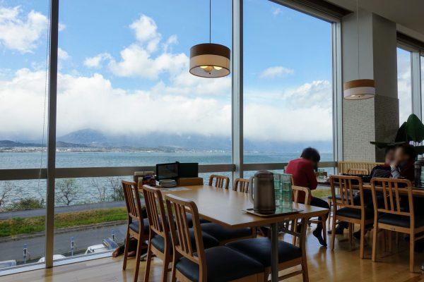 水春ピエリ守山のレストラン。琵琶湖が一望できる絶景スポットです!