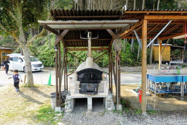 キャンプ場内にピザ窯がありました。ただキャンプ場のど真ん中にあったので、他のお客様が気になって自由に使える雰囲気ではありませんでした…