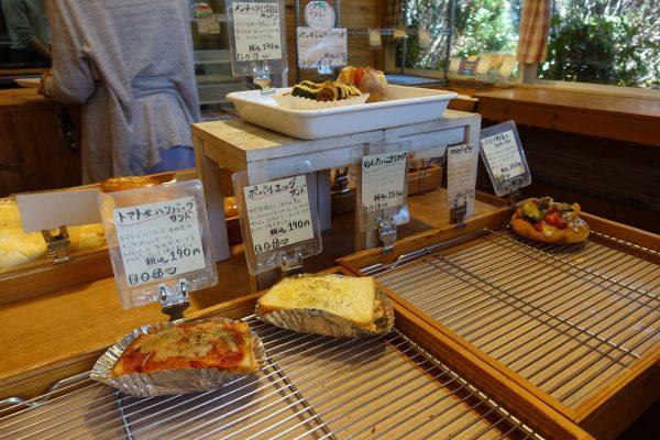 12時ごろにお店に伺うと、ほとんど売り切れ状態に!穂のかは朝6時からやっているので、色々選びたい人は早朝がおすすめですね!